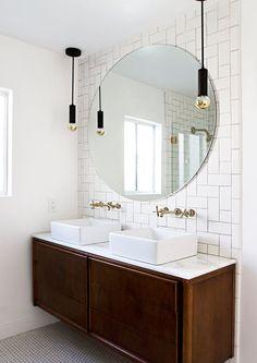 모던한 현대적 느낌의 욕실 인테리어 살펴보기!아직 꾸며지지 못한 우리 집 욕실을 보면 한숨이 나옵니다. ...