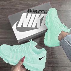 Nice - Sneakers Nike - Ideas of Sneakers Nike - Nice Pumps Nude, Nike Air Shoes, Nike Custom Shoes, Adidas Shoes, Cute Nike Shoes, Adidas Outfit, Skate Shoes, Adidas Men, Cute Sneakers