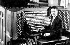 Virgil Fox plays the riverside church organ. - Google Image Result for http://3.bp.blogspot.com/-ZPt0zVV0a2s/TzNMYtzpnSI/AAAAAAAAO4c/jPgPNtc0We0/s1600/VirgilFoxRiverside.jpeg