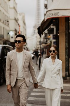 Korean Wedding Photography, Couple Photography Poses, Pre Wedding Poses, Pre Wedding Photoshoot, Korean Couple Photoshoot, Civil Wedding, Photo Couple, Couple Posing, Marie