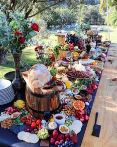 If you are in love with Grazing tables or just trying your hand at making your own then you will love this Roundup of the BEST 5 Grazing tables we fell in love with. Zoom in on the images an… food stations buffet The Best Grazing Tables Party Platters, Cheese Platters, Party Buffet, Food Buffet, Tapas Buffet, Cheese Table, Table Party, Bar Food, Party Trays