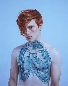 Visceral Paola Rojas David Perez. Anatomy pics drawn on the body.