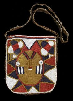 Pouch for Divination Priest Nigerian Tribes, African Art Projects, African Hats, Tribal Bags, Art Premier, Yoruba, African Textiles, Pattern Images, Tapestry Crochet