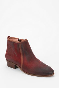 Malababa Txeels Leather Ankle Boot! Man the color of these is beautiful!