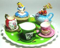 Alice in Wonderland 10-piece tea set from Fantasies Come True