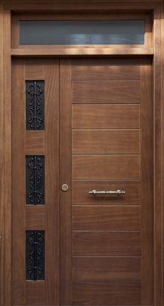 Puerta exterior de madera muy moderna. Modern Entrance Door, Modern Wooden Doors, Modern Exterior Doors, Modern Front Door, Home Door Design, Door Gate Design, Door Design Interior, Wooden Front Door Design, Wood Front Doors