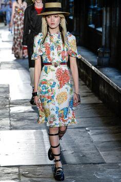 #Gucci  #fashion  #Koshchenets     Gucci Resort 2017 Collection Photos - Vogue