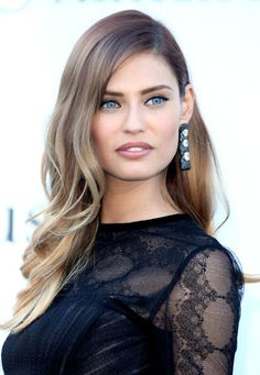 Bianca Balti! We're loving her frosty blonde balayage!