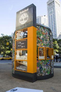 Timberland pop up shop new york 02 pop up! timberland pop up Kiosk Design, Retail Design, Store Design, Visual Merchandising, Retail Concepts, Restaurants, Shop House Plans, Pop Up Shops, Layout