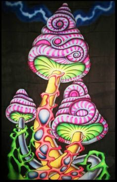 Psychedelic-Mushrooms-Wall-Hanging-Sacred-Tapestry-LSD-Trippy-UV-Shrooms