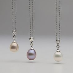 Our metallic Freshwater pearls come in 3 natural colors: Lavender, Peach and White. Which one is your favorite?