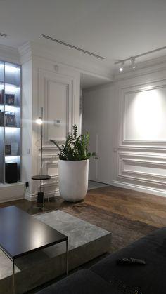 classic minimalist on Behance Modern Classic Interior, Modern Interior Design, Interior Design Living Room, Modern Minimalist Living Room, Minimalist Interior, H Design, Mansion Interior, Classy Living Room, Neoclassical Interior