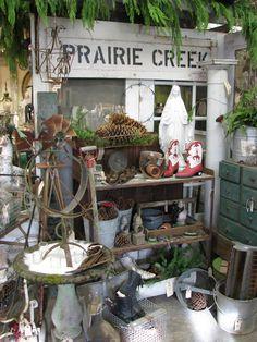 Maison Douce: Christmas at Monticello Flea Market Displays, Antique Store Displays, Vendor Displays, Flea Markets, Retail Displays, Shop Displays, Antique Market, Vintage Market, Antique Shops