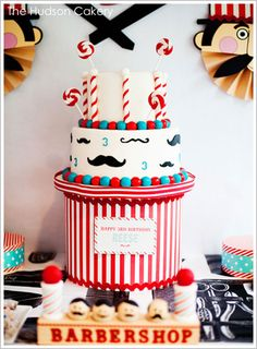 The cake stand makes the cake seem so grand. Great idea!