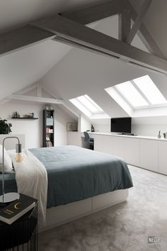 Attic Master Bedroom, Attic Bedroom Designs, Attic Bedrooms, Bedroom Loft, Home Bedroom, Small Bedrooms, Loft Conversion Bedroom, Houses Architecture, Interior Architecture