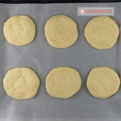 Pâinici rustice din smântână – o pufoșenie apetisantă preparată în condiții de casă! - savuros.info Cookies, Desserts, Food, Crack Crackers, Tailgate Desserts, Deserts, Biscuits, Essen, Postres