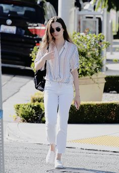 Lily Collins Casual Style - Out in Beverly Hills - Celebrity Style Simple Outfits, Classy Outfits, Girl Outfits, Casual Outfits, Cute Outfits, Fashion Outfits, Lily Collins Casual, Lily Collins Style, Lily Collins Makeup