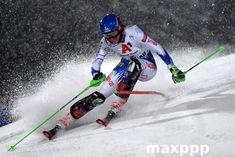 La Slovaque Petra Vlhova franchit une porte lors de la première course de slalom féminin à la Coupe du monde de ski alpin FIS à Flachau, en Autriche, le 8 janvier 2019. © CHRISTIAN BRUNA / EPA / MAXPPP #ski #slalom #coupedumonde #petraVlhova #sport #actualité #reportage #news #agencedepresse #media #presse #photojournalisme #agencephoto #maxppp Petra, Slalom, Courses, Skiing, News Agency, Slovak Language, January 8, World Cup Fixtures, Austria