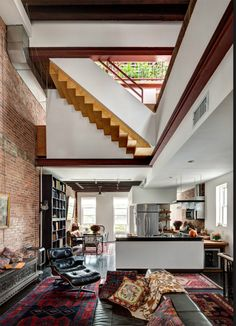 This is how we like it! Modern architecture and interior, eclectic styling and vintage design furniture, nice!