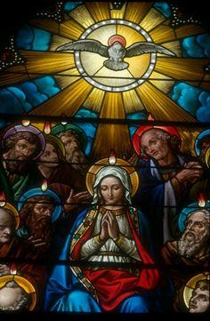 """Oração ao Espírito Santo: """"Senhor, luz e mais luz, enviai a vossa luz, dissipai as minhas trevas, abri os meus olhos, porque sem sermos esclarecidos, não podemos evitar os precipícios nem achar a Deus""""."""