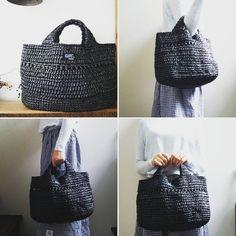 先ほどと同じものです 細編み以外で、シンプルな模様で編んだバッグが好きです❤  #crochet #bag #knitting #かぎ針編み #かぎ針 #すずらんテープ