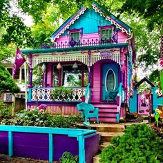 Looking to visit a travel destination in Ontario that's off most tourist's radar? Look no further than the Grimsby Beach Cottages, which are brightly coloured gingerbread houses come to life! Bohemian House, Bohemian Decor, Exterior Design, Interior And Exterior, Cute House, Victorian Homes, Play Houses, House Painting, House Colors