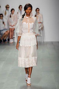 London-Fashion-Week-SS15-Bora-Aksu-1.jpg (450×675)