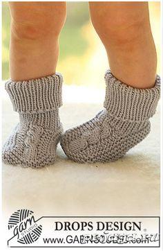 Носочки спицами на: 1-3, 6-9, 12-18 месяцев, 2, 3-4 года. Связать носки по описанию, сшить подошву и носок, так, чтобы детские носки спицами были без толстых швов