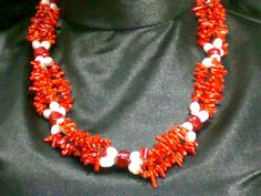 Red coral with pearls ( all naturel )