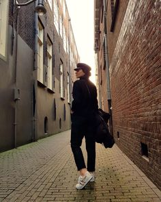 Black outfit , total black, total black outfit, street of Amsterdam, Helena Diolakis, white sneakers look