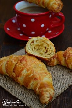 Gabriella kalandjai a konyhában :) Hungarian Desserts, Hungarian Recipes, No Salt Recipes, Cooking Recipes, Jewish Apple Cakes, Bread Dough Recipe, World Recipes, Winter Food, Kraut