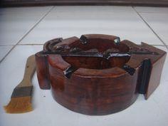 Asbak kayu Model Vespa stiker, Tampak Depan