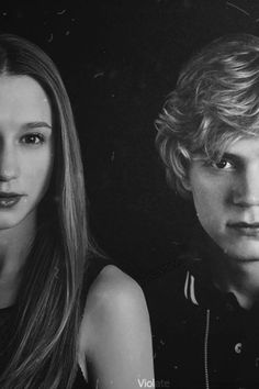 taissa farmiga Evan peters~They were such a cute coupld on American Horror Story Evan Peters, Tate Y Violeta, Tate Ahs, Evans, Tate And Violet, American Horror Story Coven, My Sun And Stars, Film Serie, Series Movies