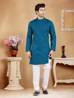 African Dresses Men, African Attire For Men, African Clothing For Men, Mens Clothing Styles, Nigerian Men Fashion, Indian Men Fashion, Mens Fashion Wear, Wedding Kurta For Men, Wedding Dresses Men Indian