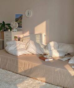 Room Design Bedroom, Room Ideas Bedroom, Small Room Bedroom, Bedroom Decor, Bed Aesthetic, Aesthetic Room Decor, Dream Rooms, Dream Bedroom, Cute Room Decor