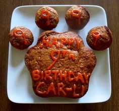 Picture of Peanut Butter Honey Carrot Cake for Dogs http://www.instructables.com/id/Peanut-Butter-Honey-Carrot-Cake-for-Dogs/ Dog Cakes, Cakes For Dogs, Dog Treat Recipes, Dog Food Recipes, Cake Recipes, Cat Treats, Doggie Treats, Dog Birthday, Birthday Cakes