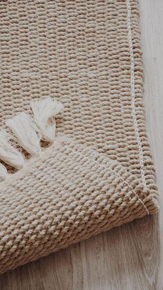 Jute Rug, Woven Rug, Living Room Decor Cozy, Rug Texture, Beautiful Space, Wabi Sabi, Cozy House, Modern Rugs, Rug Making