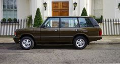 Land Rover Range Rover Classic 1994  https://www.classicdriver.com/en/car/land-rover/range-rover/1994/371841?utm_medium=email