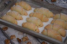 Ořechové rohlíčky ze zakysané smetany Bread, Food, Brot, Essen, Baking, Meals, Breads, Buns, Yemek