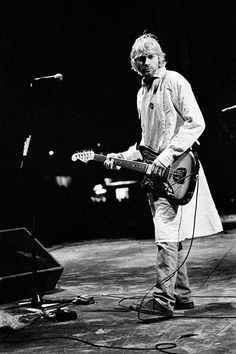 Kurt Cobain: 10 Rare & Unseen Photos by Charles Peterson   Billboard - Nirvana live, Reading Festival, 1992