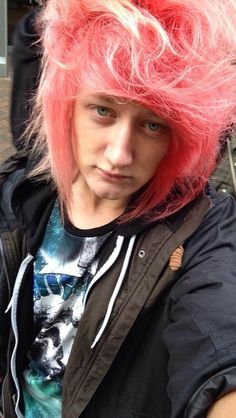 Jason's hair is pure perfection. I don't get why he gets so much hate on his hair I love how colorful and different it is♡♥ -Sami