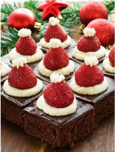If you are looking for a delicious and healthy eating chocolate brownie recipe that you can still enjoy as part of your weight loss program then we have a great one for you to try – and they can even … Continue reading → Santa Hat, Brownie Bites, Hats, Mini, Cheesecake, Cheesecake Cake, Sombreros, Cheese Cakes, Hat