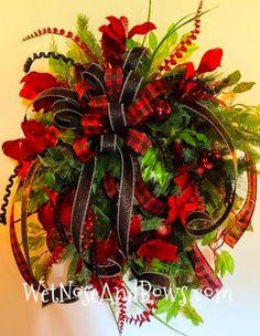 Christmas Wreaths Portfolio - Professional Wreath Designs Pool Noodle Christmas Wreath, Christmas Ornament Wreath, Christmas Swags, Holiday Wreaths, Christmas Crafts, Winter Wreaths, Christmas Ribbon, Christmas Table Centerpieces, Christmas Tree Decorations