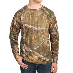 Cody James® Men's RealTree Fort Long Sleeve T-Shirt