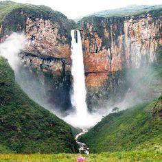 Cachoeira do Tabuleiro - MG São 273 metros de queda livre (3* mais alta do Brasil)