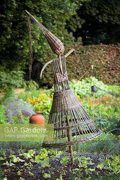 Vegetable Garden, Garden Plants, Ballymaloe Cookery School, School Images, Garden Deco, Basket Weaving, Allotment Ideas, Sculptures, Pile
