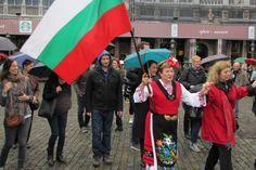 Голямо българско хоро се изви в центъра на Брюксел (Видео)