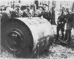 Germans examining one of the unexploded Dambusters bombs after the raid, recovered from the wreckage of an aircraft that crashed. Aircraft Photos, Ww2 Aircraft, Military Aircraft, Creepy History, Lancaster Bomber, History Online, Battle Of Britain, Nose Art, Royal Air Force