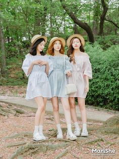 K Daily 2016 girlfriend look (MT) Kpop Fashion Outfits, Ulzzang Fashion, Korean Outfits, Ulzzang Girl, Girl Outfits, Cute Outfits, Look Street Style, Asian Street Style, Korean Style