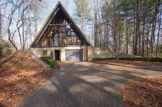 Haus A frame cabin with Garage Base + Overhang Porch Taking A Closer Look At American Indian Beadwor Future House, Garage Boden, A Frame House Plans, Wood Frame House, Cabin Homes, Renting A House, House Styles, Treehouse, North Carolina